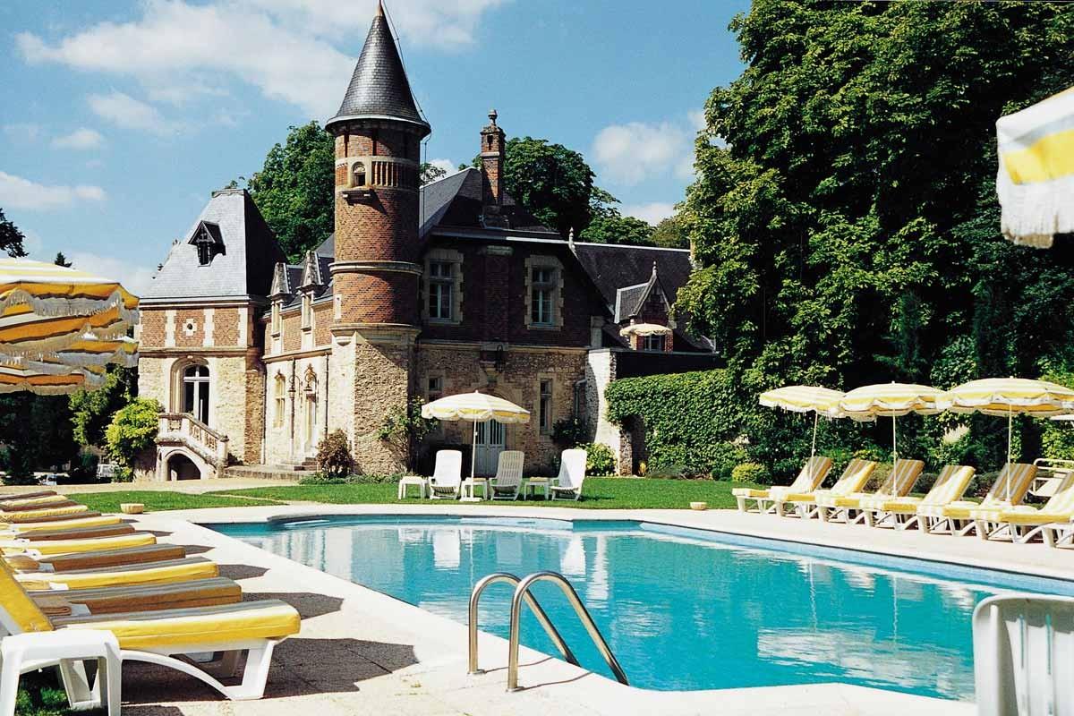 Chateau d 39 esclimont rambouillet promo chbre petits for Rambouillet piscine