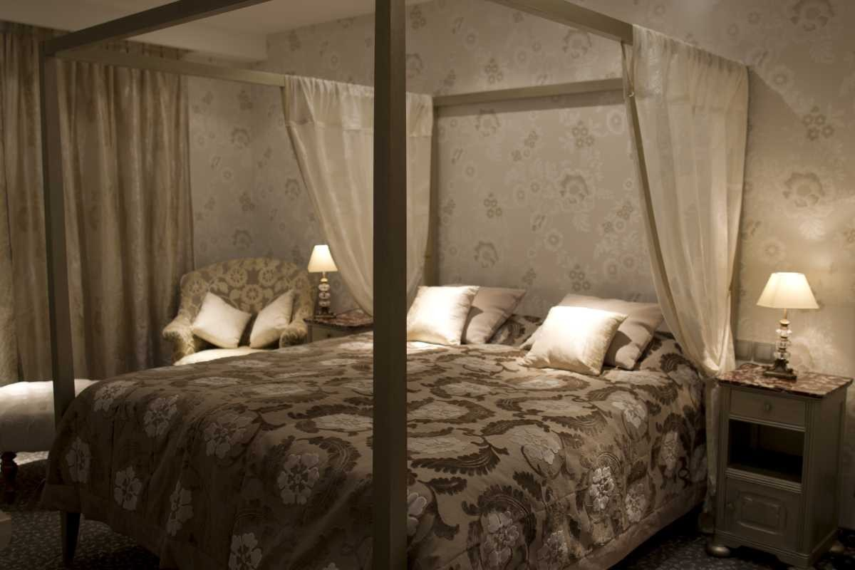 chambre romantique dcoration chambre romantique with. Black Bedroom Furniture Sets. Home Design Ideas