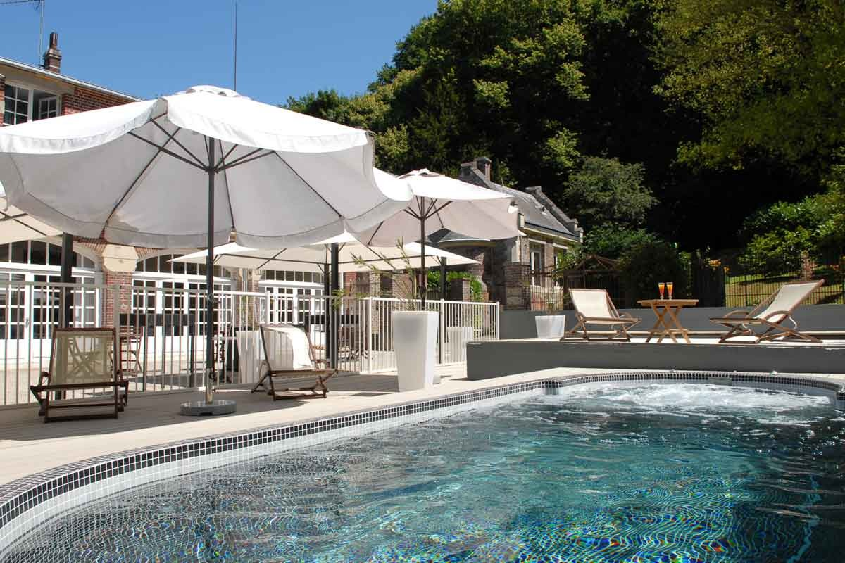 Domaine de joinville spa room and breakfast from 169 for Piscine 3 villes