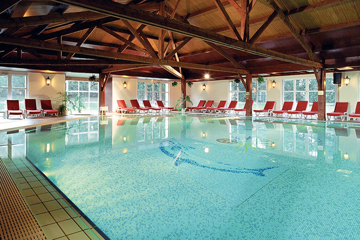 Grand hotel et spa touquet paris plage touquet week - Hotel piscine interieure bretagne ...