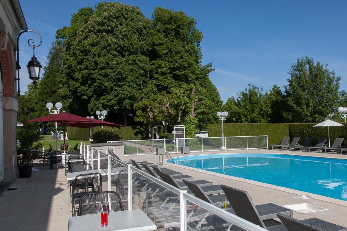 Hotel club cosmos et spa contrexeville vosges saphiresa for Hotel piscine vosges