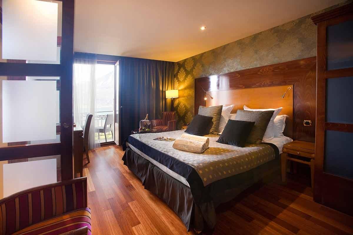 hotel les tresoms spa annecy chbre petits d j partir de 149. Black Bedroom Furniture Sets. Home Design Ideas