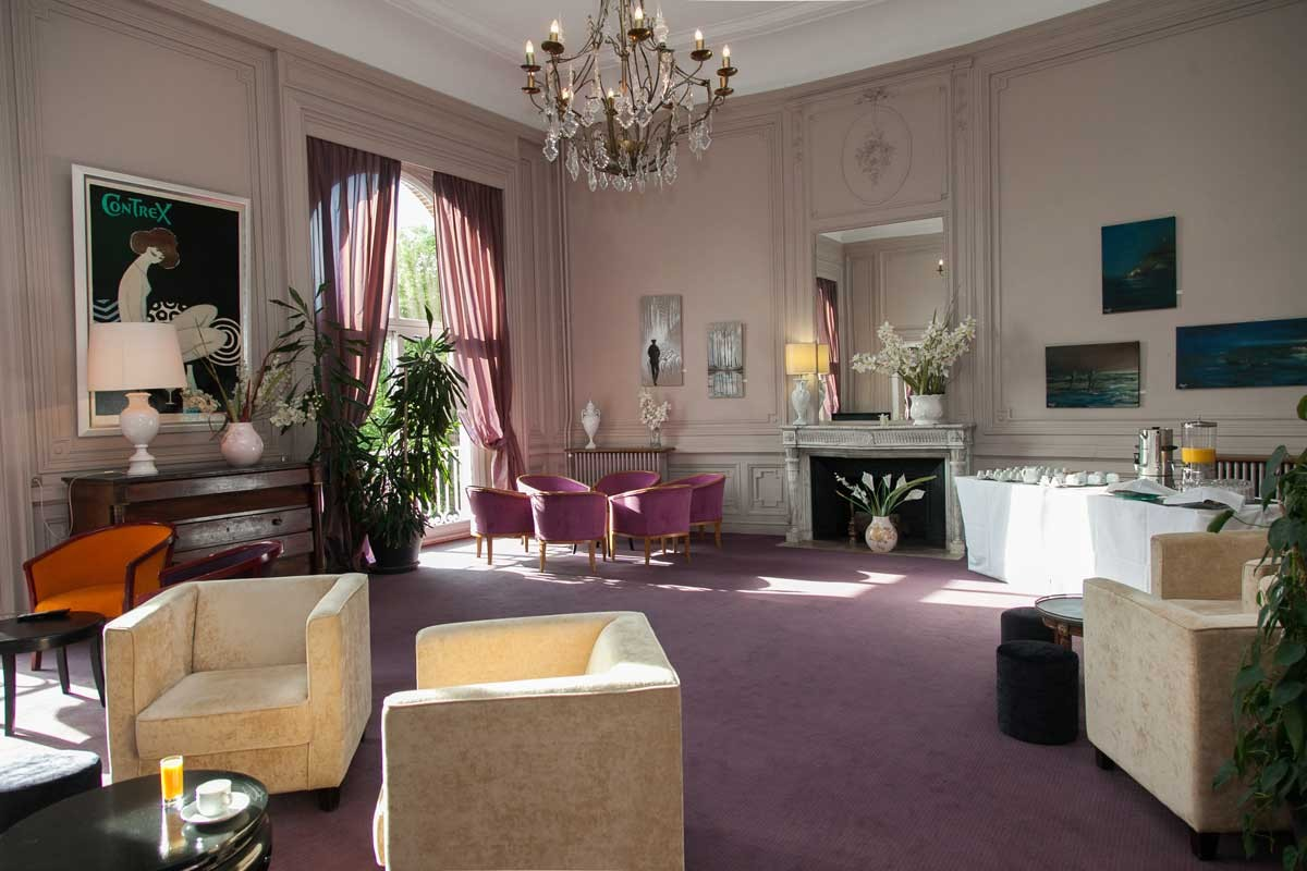 Hotel club cosmos et spa contrexeville vosges saphiresa for Salon hpa touquet
