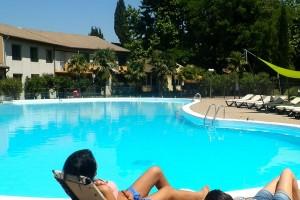 Hôtel les Oliviers à loriol sur drome - Pause piscine