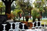Hôtel les Oliviers à loriol sur drome - Table vue piscine
