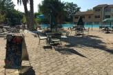 Hôtel les Oliviers à loriol sur drome - Terrasse vue piscine