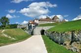 Château de la Dame Blanche & Spa - L'entrée du château de Joux dans le Doubs à 1h30 de l'hôtel