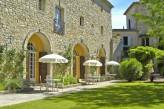 Château d'Arpaillargues - Cour