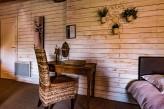 Domaine de la Pommeraye & Spa – Chambre Marron Table