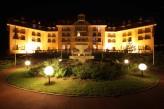 Le Grand Hotel-Touquet-Paris-Plage: Façade de nuit
