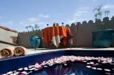 Hostellerie Le Castellas - Bain & Terrasse chambre Prestige