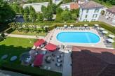 Hôtel Club Cosmos et Spa - Piscine et terrasse