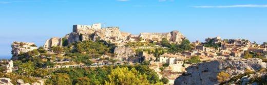 Hostellerie-le-Castellas-Les-Baux-de-Provence-à-49-km-de-l'Hôtel