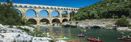 Hostellerie-le-Castellas-Pont-du-Gard-à-8-km-de-l'Hôtel