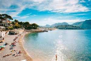 Hostellerie Berard & Spa -Plage de Cassis a 25km de l hotel