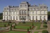Château d'Artigny & Spa - Façade de jour et le parc