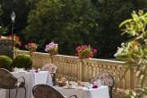 Château de Montvillargenne - Petit déjeuner en terrasse par beau temps
