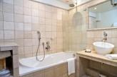 Hostellerie Berard & Spa - Vue Salle de Bain