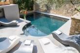 Hostellerie Le Castellas - Bains de soleil & piscine