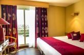 Hotel Spa du Bery St Brevin - Chambre Vue Pins couleur framboise