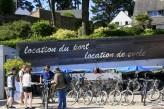 l'île aux Moines - Loueur de Vélos sur le Port - traversée en 5 min depuis le Port Blanc situé sur la commune de Baden à 70km de l'hôtel le Roi Arthur @Loic-KERSUZAN