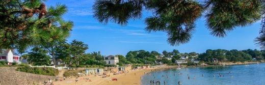 Grande-plage-de-l'île-aux-Moines-à-70-km-de-l-hôtel-le-roi-arthur@Loic KERSUZAN